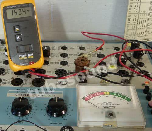 BK 707, screen voltage