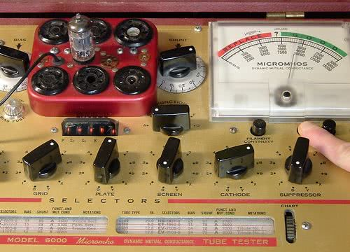 Hickok 6000 testing one triode section of Mullard 12AU7A